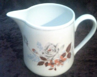 White Roses Jug / Pitcher