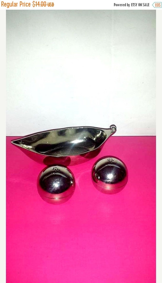 Peas in a pod salt pepper shakersstainless by junkyardblonde - Two peas in a pod salt and pepper shakers ...