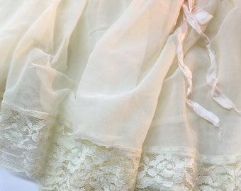 Petticoat Vintage Pleated Lace Slip Bow Accent