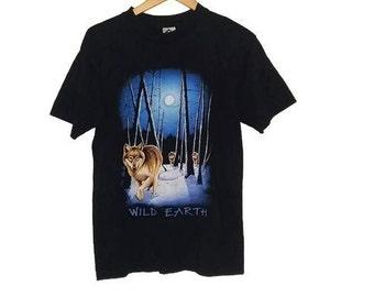 Vintage Wolf T-Shirt Animal Shirt Wolves in Snow Soft Grunge 90s Size Medium