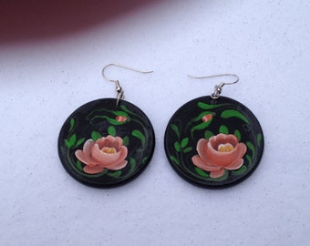 Hand-painted earrings with Norwegian Rosemaling
