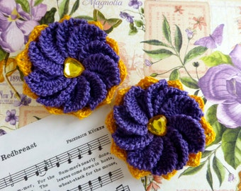 Pair of 10-petal crochet flower clips (Purple and Yellow)