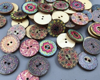 50 wooden vintage style flower buttons
