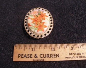 Hand Painted Porcelain Brooch(565)