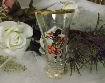 Scottish , Vintage Scottish Highland Piper Drink Glass ( 2 available), with Bagpipes , Tartan kilt