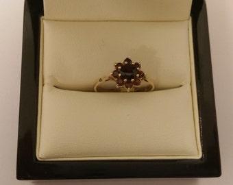 9ct Garnet CLuster Ring Size K