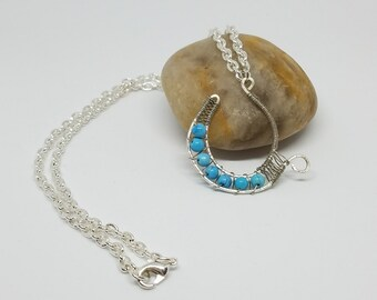 Horseshoe necklace silver plated cable chain lobster clasp 4mm turquoise colored beads