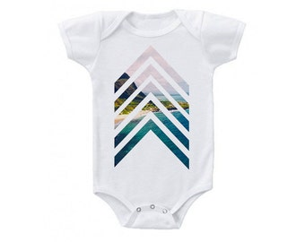 Chevron striped baby bodysuit - baby clothes- baby gift, baby shower, baby, newborn, baby boy - Cute baby clothes - paradise beach