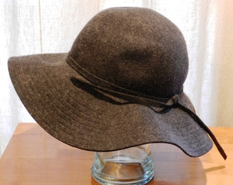 Collection Eighteen 100% Wool Floppy Hat in Dark Gray  Size Small     00933