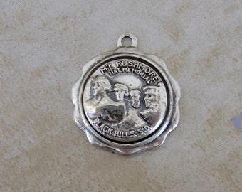 BK Mount Rushmore Black Hills South Dakota Sterling Silver Bracelet Charm Bates & Klinke US Presidents