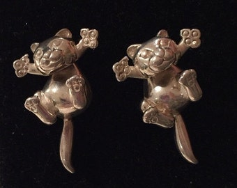 Vintage silver cat earrings,lovely quality and design