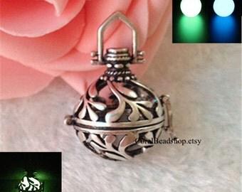 YL041-2pcs/lot Antique Silver Flower Locket Pendant Magic Box Locket For Essential Oil Diffuser Necklace