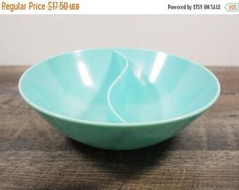 ON SALE Vintage Marcrest Melmac Bowl / Turquoise Melamine Dish / Round Retro Serving Bowl / Melmac Divided Dish / Vintage Kitchenware / Aqua