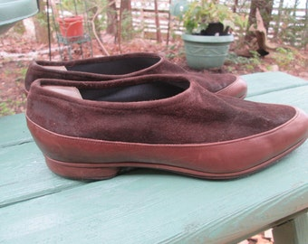 FABULOUS Giorgio Armani pull on chic loafer style dark brown suede top lighter brown leather bottom flats. Great vintage condition 8 1/2M