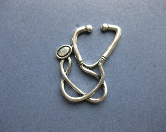 4 Stethoscope Charms - Stethoscope Pendant - Doctor Charm - Antique Silver - 29mm x 24mm -- (No.61--10194)