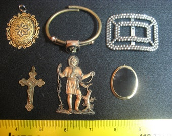 6 pieces of antique/vintage jewellery  very interesting items some marked