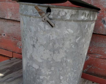 Vintage sap bucket, galvanized sap bucket, galvanized planter, large flower pot, rustic flower pot, maple sap bucket, farmhouse decor