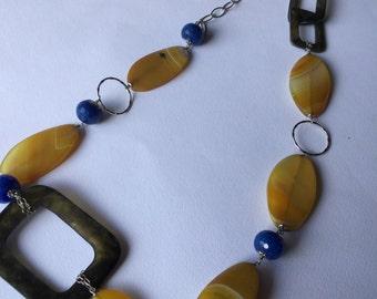 terrific vintage 1970 1970 Twiggy Twiggy style necklace-Amazing vintage styled necklace