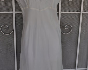 Clearance Item 40% off*******Vintage 1950s Barbizan White Satin Slip with White Lace Trim
