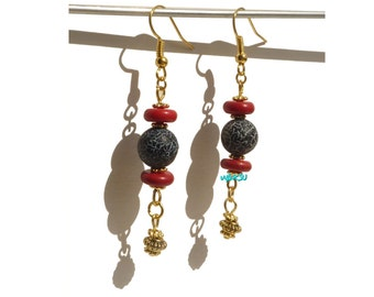 Earrings with agate and howlite pearls