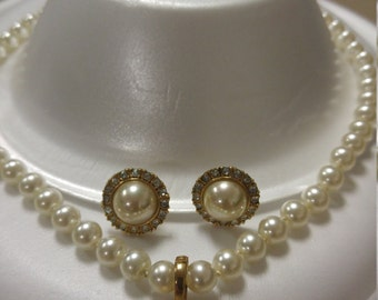 Vintage Faux pearl necklace and earring demi parure by Roman