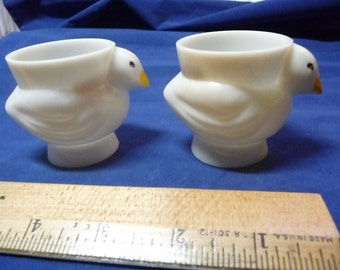 2 White Plastic Egg Cups Yellow Beak
