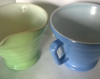 Hazel Atlas Creamer Set in Moderntone, Cream and Sugar Set, Platonite, Pastel Green and Blue
