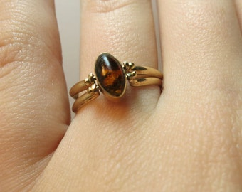 ladies flip ring amber and agate 14k yellow gold