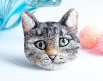 Cat Brooch, Tabby Cat Brooch, Needle felted Cat, Cat pin,  Wool, Felt Brooch, Pin, Cat Lover, Custom Cat Portrait, Wear it or Frame it