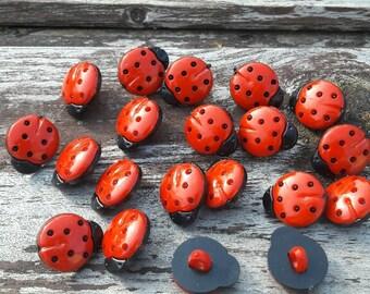 Ladybird buttons buttons, buttons, pretty buttons, plastic buttons, shank buttons, boutons rouges, lot buttons, boutons, scrapbook