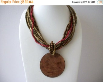 ON SALE Vintage BOHO Earthy Shell Pendant Necklace 8916