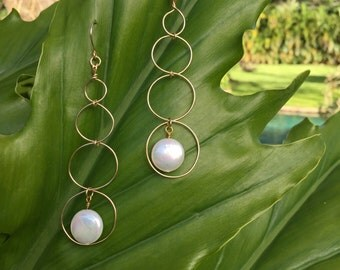 Contemporary Drop Earrings 14K Gold  Wire Freshwter Pearls.