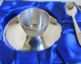 Vintage English silver plate pedestal egg cup and spoon. Unused c 1960's EPNS eggcup Christening, baby shower