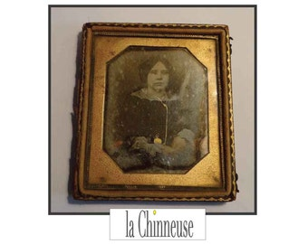DAGUERREOTYPE PORTRAIT young girl / Rare PHOTOGRAPH 19 th century / Rare object of Collection.