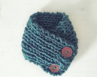 Chunky knit cowl. Knitted cowl. Knit neckwarmer.