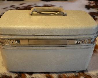 White Hard Shell Samsonite Vinyl Train Case Carry On Suitcase