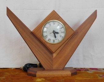 Lanshire wood clock-- Mid Century Modern, works great