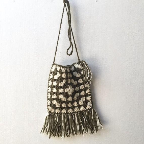 Crochet Fringe Bag : Crochet, cross body bag with fringe. Messenger bag. Granny square bag ...