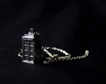 Necklace Tardis dr Who
