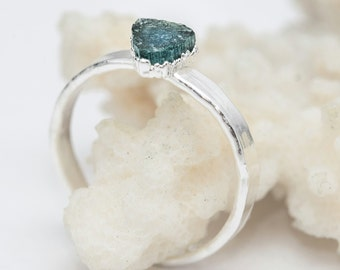 Raw blue tourmaline ring, Electroformed tourmaline ring, Raw indigolite ring, Rough Gemstone ring, Raw mineral ring, plated silver, 54/20
