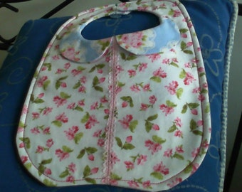 Peter Pan collar bib