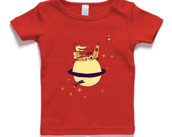 Crocodile with rocket, camping on saturn, toasting apples, red, baby t-shirt