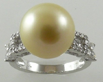 South Sea Light Golden Pearl Ring 18k White Gold and Diamond 0.49ct