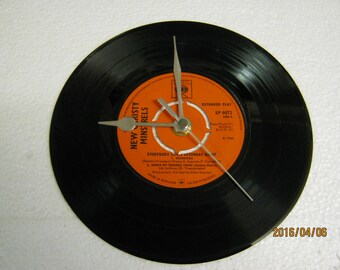 """The New Christy Minstrels - """"Wimoweh"""" Record Clock"""
