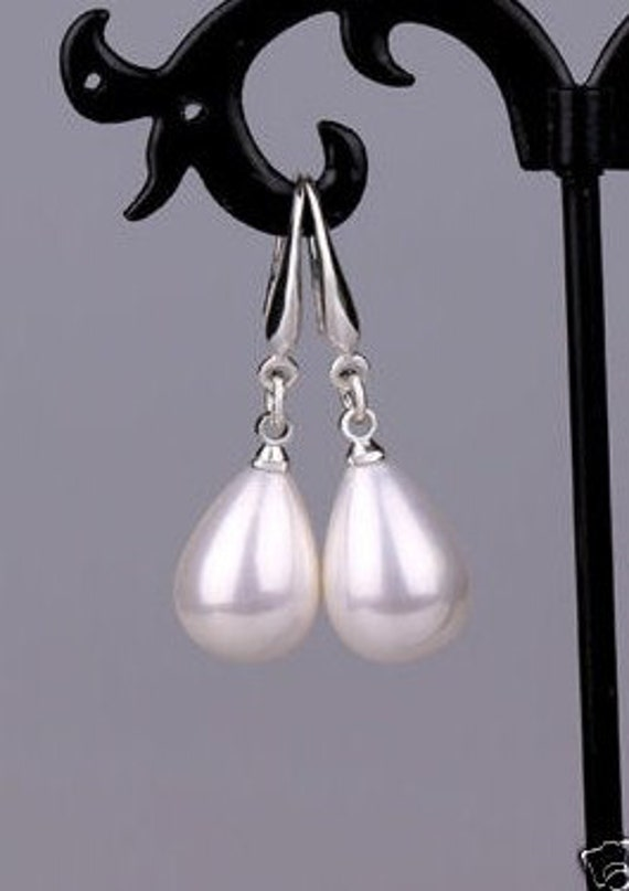 Beautiful  16mm high lustre white teardrop seashell pearl sterling silver   earrings