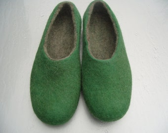 Natural home shoes-Women's felted slippers - Winter shoes-felted woolslippers-eco friendly- green slippers-wife gift- mother gift
