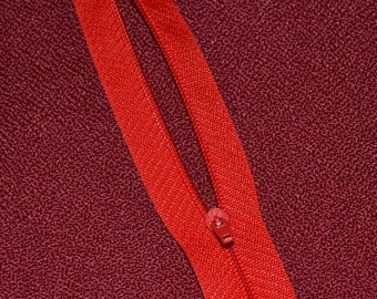 """PACK OF 10 x Red 22""""closed end  cushion zips"""