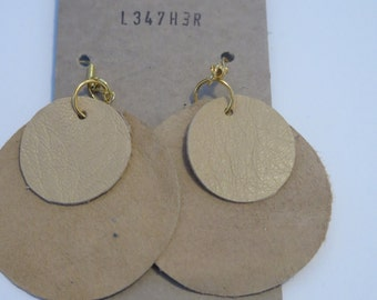 Cream Leather 2 Circle Overlapping Earrings