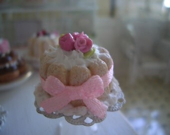 cake pastry charlotte roses marzipan + flat display scale 1/12 dollhouse miniatures 1:12 cake + cake stand
