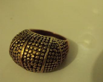 Vintage brass two tone metal ring, size m